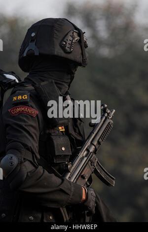 Un guardia de seguridad nacional Commando listo para caminar Rajpath. Por primera vez, el NSG será parte de la República Day Parade 2017