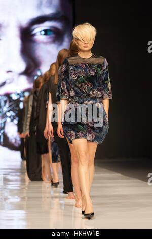 Lodz, Polonia - Mayo 7, 2011 La Semana de la moda de Polonia. Prestigioso evento de moda en el mundo. Organizado Foto de stock