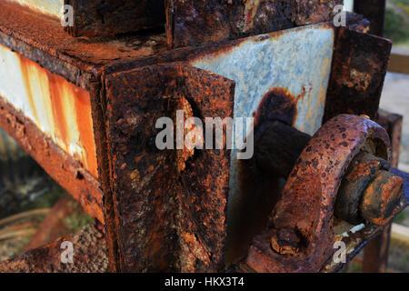 Oxidación en maquinaria en desuso, Santa Inés, Cornwall, Inglaterra