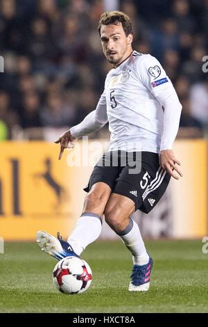 En Bakú, Azerbaiyán. 26 Mar, 2017. Alemania Mats Hummels en acción durante la Copa Mundial de la FIFA la fase de grupo calificador partido de fútbol entre Azerbaiyán y Alemania en Bakú, Azerbaiyán, el 26 de marzo de 2017. Foto: Marius Becker/dpa/Alamy Live News