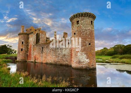 El exterior del castillo de Caerlaverock, Dumfries Galloway, Escocia Foto de stock