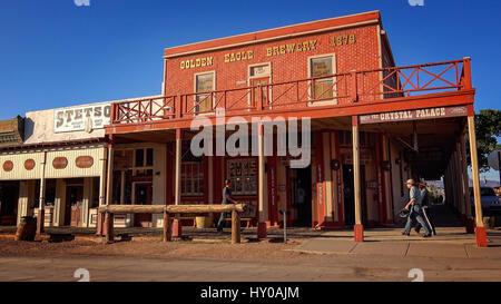 El Crystal Palace en el centro histórico de la ciudad de Tombstone, Arizona