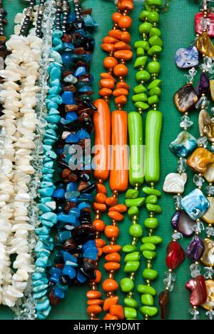 544af9c79254 ... Mercadillo - Souvenirs - Moda - Accesorios - coloridos y diferentes  piezas de joyería  collares