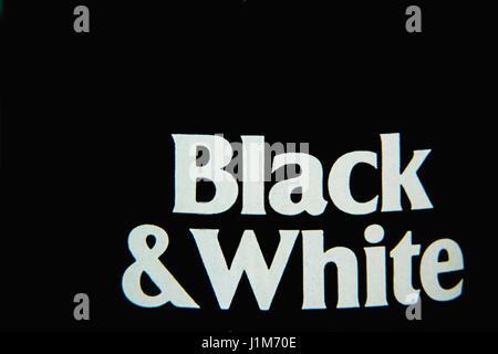 Simplemente en blanco y negro