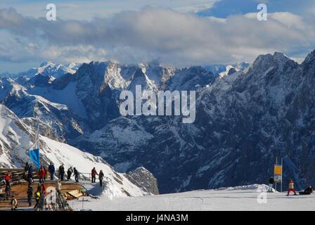 Alemania Baviera Zugspitze Distante De Nieve Sol