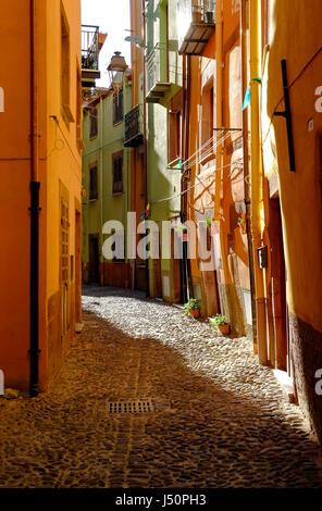 Escena callejera, Bosa, Cerdeña, Italia