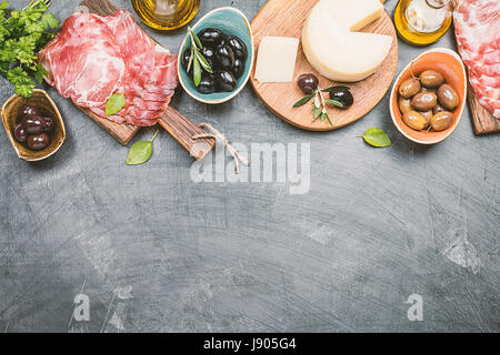 Antipasto típico italiano Foto de stock