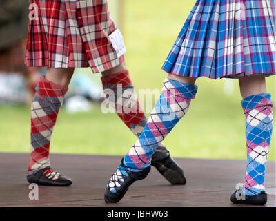 Glamis, Escocia - Jun 11, 2017: Los pies de los bailarines en los Altiplanos Strathmore Highland Games evento en el Castillo de Glamis, Escocia. Crédito: AC Images/Alamy Live News