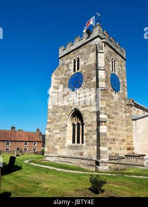 Iglesia Parroquial de St Andrews un edificio catalogado de grado I. De vuelta al siglo 14 en Aldborough cerca de Boroughbridge Yorkshire Inglaterra