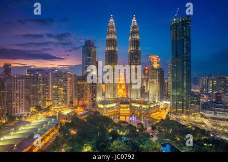 Kuala Lumpur. Imagen del paisaje urbano de Kuala Lumpur, Malasia, durante la puesta de sol.