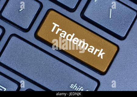 Marca el botón de Word en teclado de ordenador