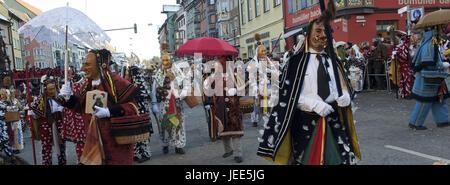 Alemania, Baden-Wurttemberg, Rottweil, Rottweiler fool's guild, procesión,