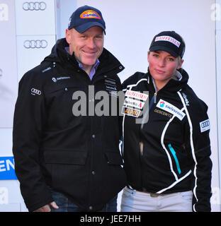 Didier Cuche, Lara Gut, uno al lado del otro, la mitad vertical, ningún modelo de liberación, deportes de invierno, esquí alpino, Suiza, ski racing sport, esquí, esquí copa del mundo, en 2011,