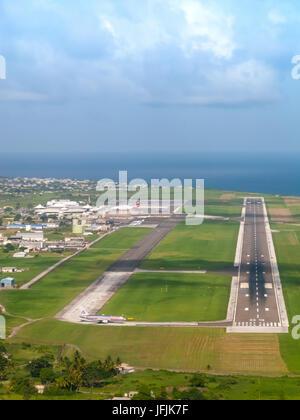 El enfoque de la pista de aterrizaje de Barbados, Barbados Aeropuerto Internacional Grantley Adams (GAIA) Aeropuerto, Barbados, Indias Occidentales