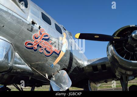 Arte de Betty Grable en la nariz en un B-17 Flying Fortress viaje sentimental