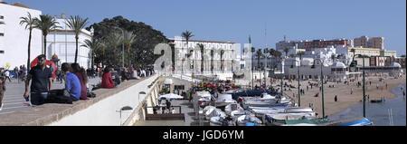Cádiz boulevard y side walk cafes.Andalucia España.