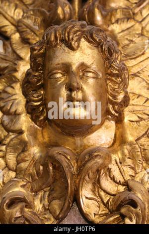 Restauración de Saint Gervais, iglesia barroca. Angel. Francia. Foto de stock