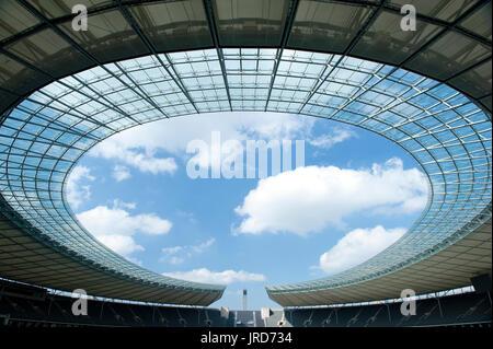 Interior del Estadio Olímpico de Berlín, Charlottenburg, Berlín, Alemania