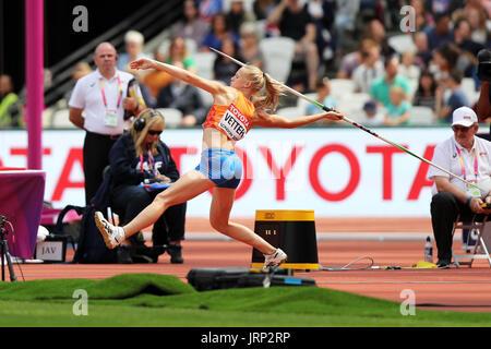 Londres, Reino Unido. 6 de agosto de 2017. Anouk VETTER de Holanda compiten en el Heptathlon Javelin throw en el 2017, Campeonatos Mundiales de la IAAF, Queen Elizabeth Olympic Park, Stratford, Londres, Reino Unido. Crédito: Simon Balson/Alamy Live News Foto de stock