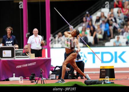 Londres, Reino Unido. 6 de agosto de 2017. Nafissatou THIAM de Bélgica compitiendo en el Heptathlon Javelin throw en el 2017, Campeonatos Mundiales de la IAAF, Queen Elizabeth Olympic Park, Stratford, Londres, Reino Unido. Crédito: Simon Balson/Alamy Live News