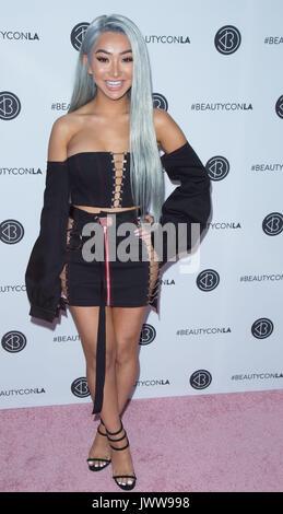Los Ángeles, Estados Unidos. 13 de agosto de 2017. Nikita Dragun llega el 5º Festival Anual de Beautycon los Angeles los Angeles Convention Center Agosto 13,2017 los Angeles, California.