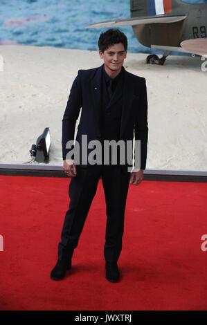 Estreno mundial de 'Dunkirk' celebrada en el Odeon Leicester Square - Llegadas Con: Aneurin Barnard donde: Londres, Foto de stock