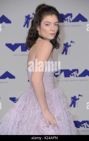 Los Angeles, Estados Unidos. 27 Aug, 2017. Los Angeles, California - Lorde. 2017 MTV Video Music Awards celebrado Foto de stock