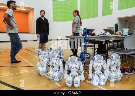 Florida, Miami, Universidad de Miami, RoboCup Open, robots, SoftBank Robótica robot NAO, inteligencia artificial AI, estudiantes de educación alumno y