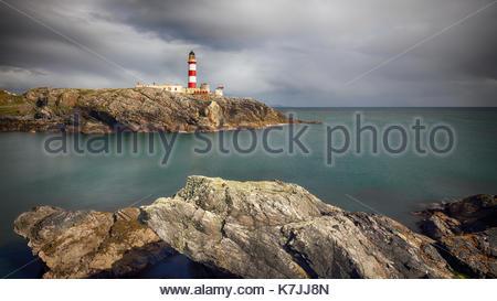Glas Eilean faro de la isla de Scalpay, Islas Occidentales, en Escocia. Foto de stock