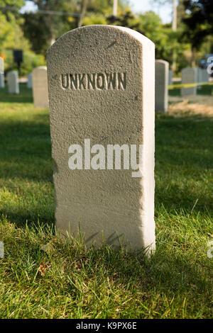 Cabeza de piedra soldado confederado desconocido situado en la isla de johnsons guerra civil cementerio. Foto tomada Foto de stock