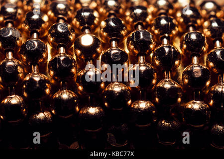 Extreme close-up de bolas de oro de pulsera