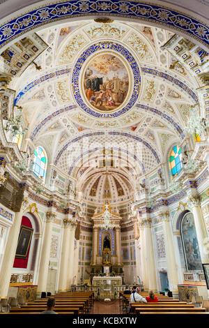 Interior Chiesa di San Giovanni Evangelista, Scicli, sitio del patrimonio mundial de la UNESCO, en la provincia de Ragusa, Sicilia, Italia