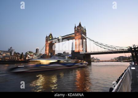 Tower Bridge, Londres Foto de stock