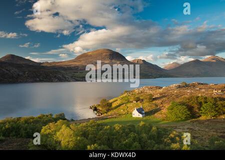 Mala Callda y Beinn Alligin con Liatach, Wester Ross (Escocia, Reino Unido) Foto de stock