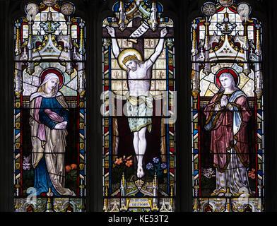 La ventana de hacia el oriente, la Iglesia de Santa María, Upper Heyford, Oxfordshire, Inglaterra, Reino Unido.