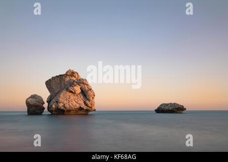 Petra tou Romiou, la Roca de Afrodita, en Paphos, Chipre