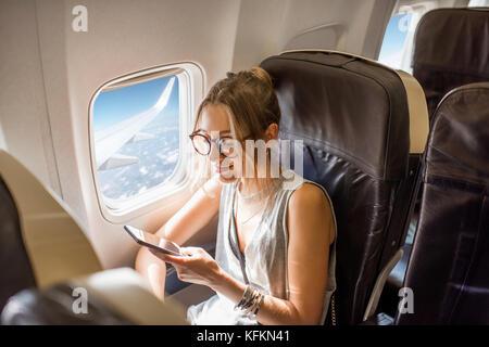 La mujer en el avión