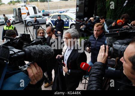 Madrid, España. 3 de noviembre de 2017, el manchester united al entrenador de fútbol José Mourinho llega a Pozuelo Foto de stock