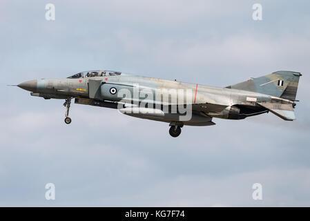 El McDonnell Douglas F-4 Phantom II de aviones de combate de la Fuerza Aérea helénica en la Base Aérea de Florennes, en Bélgica.