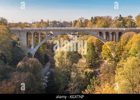 Puente Viejo de la ciudad de Luxemburgo