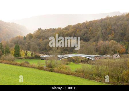 Puente Bigsweir en el Valle Wye, cruzando el río Wye formando el vínculo entre Inglaterra y Gales. Diseñado por Charles Hollis construido en 1827