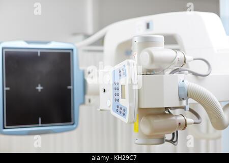 Máquina de rayos X del panel de control Foto & Imagen De Stock ...