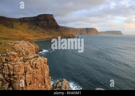 Vista de waterstein head isla de Skye Foto de stock