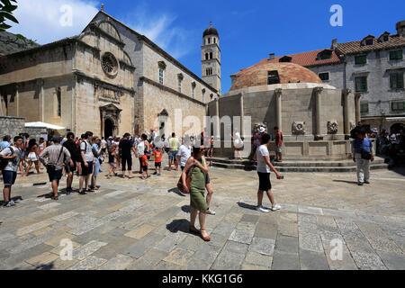La gran Onofrios Fountain, Main Street, Dubrovnik, del condado de Dubrovnik-Neretva, Costa dálmata, el Mar Adriático, en Croacia, los Balcanes, Europa, el mundo de la UNESCO su