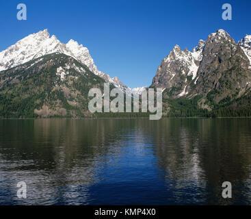 Teewinot montaña cascada y Cañón del Lago Jenny. Parque nacional Grand Teton. Wyoming. Ee.Uu.