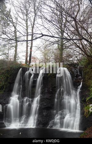 Ess na crub cascada En Glenariff Forest Park