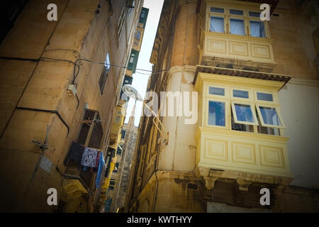 Apartamentos Tradicionales Con Sus Balcones De Madera
