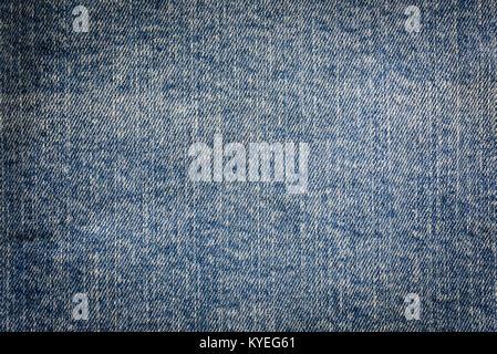 Textura de fondo vintage - dirty blue jeans textil en close-up (alta detalles) Foto de stock