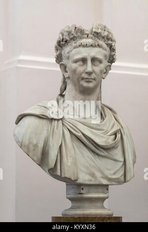 Nápoles. Italia. Retrato busto de mármol del emperador romano Claudio, el Museo Archeologico Nazionale di Napoli. Museo Arqueológico Nacional de Nápoles. Foto de stock