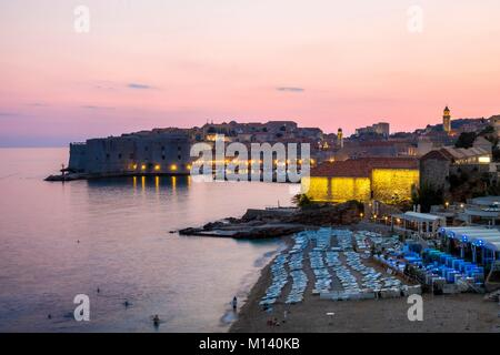 Croacia, Dalmacia Central, la costa dálmata, Dubrovnik, centro histórico catalogado como Patrimonio Mundial por la UNESCO, el Puerto Viejo